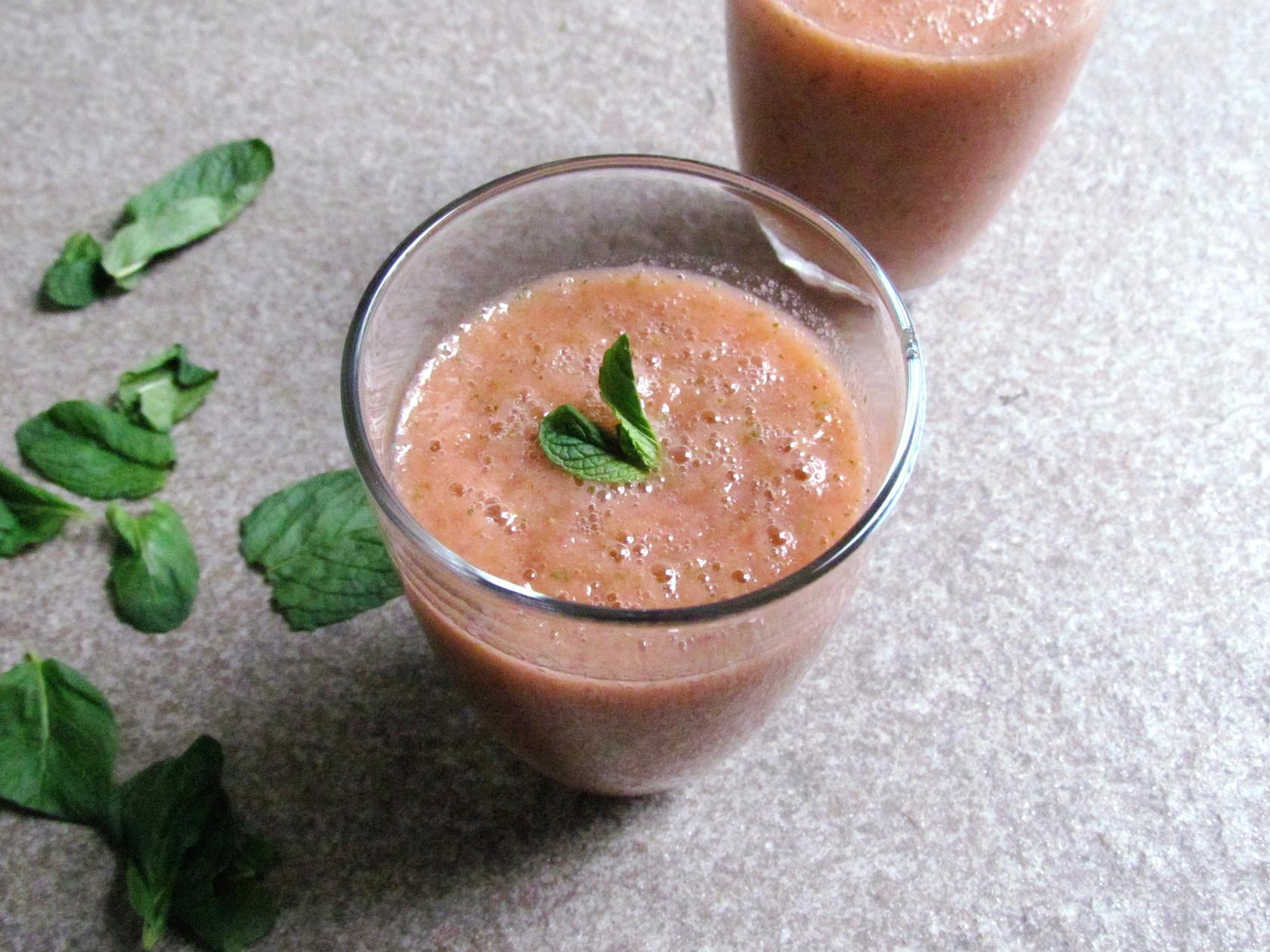 smoothie à la fraise et menthe | www.savormania.com