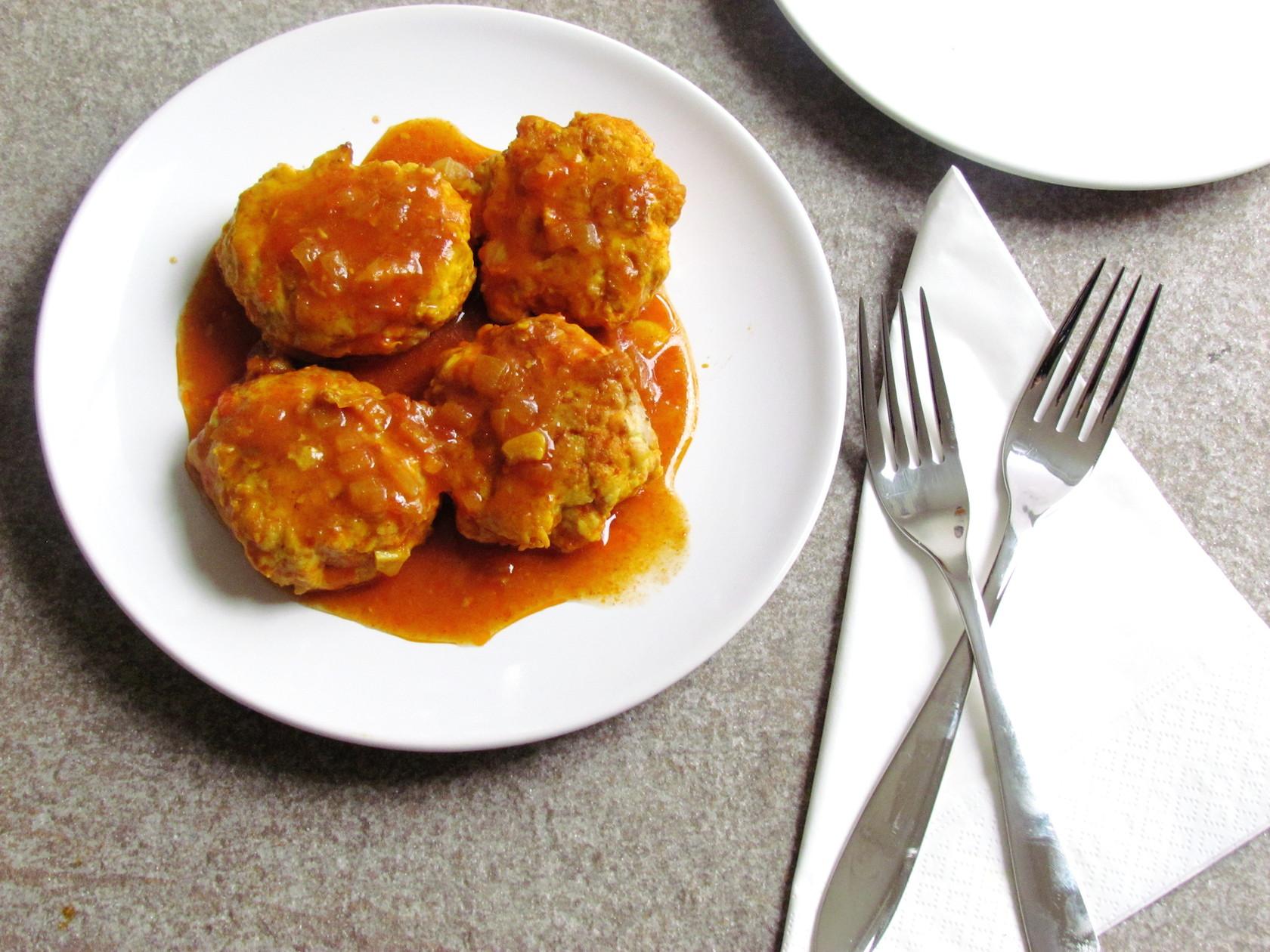 galettes de poulet à la sauce tomate | www.savormania.com