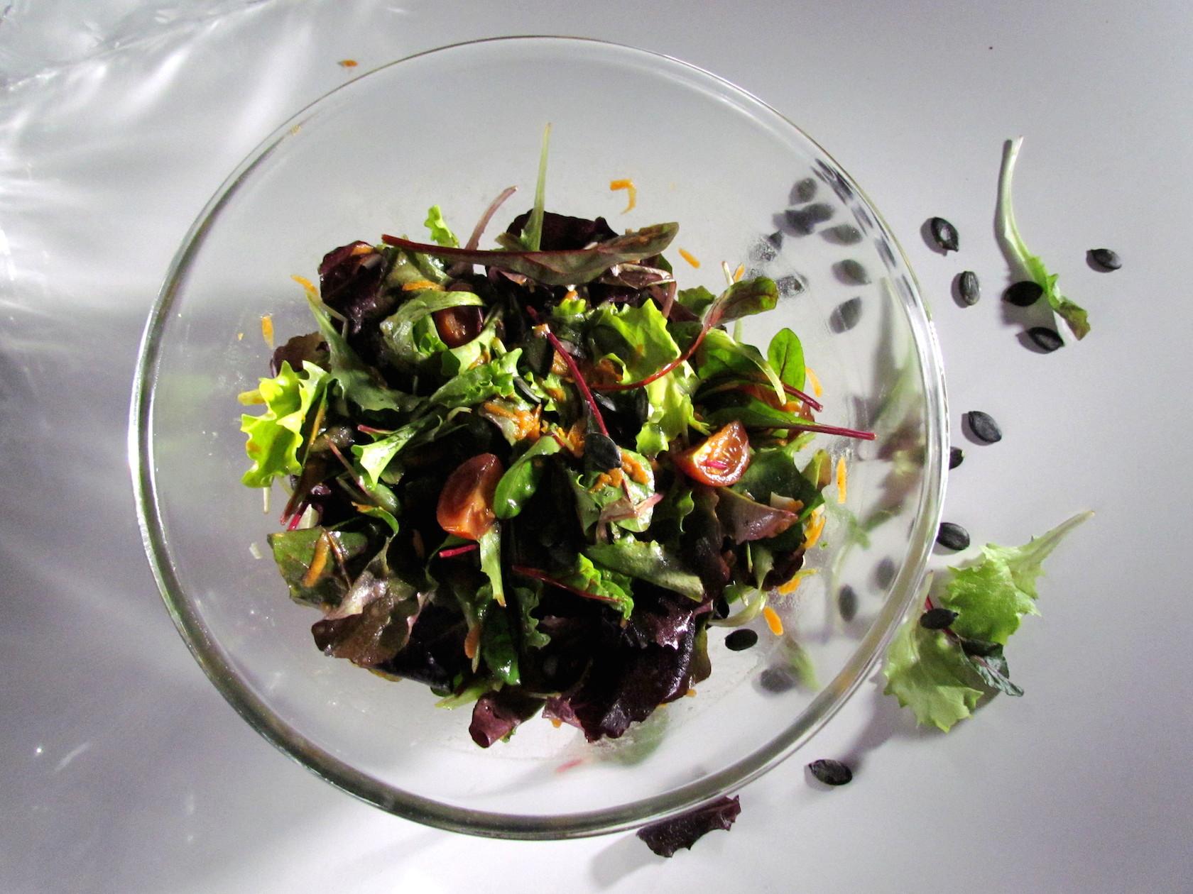 salade verte avec une vinaigrette à l'orange | www.savormania.com