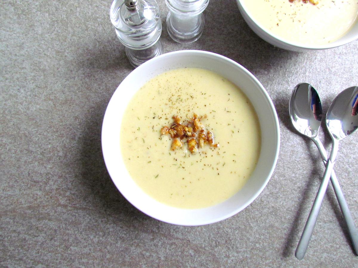 crispy cauliflower cashew soup   www.savormania.com