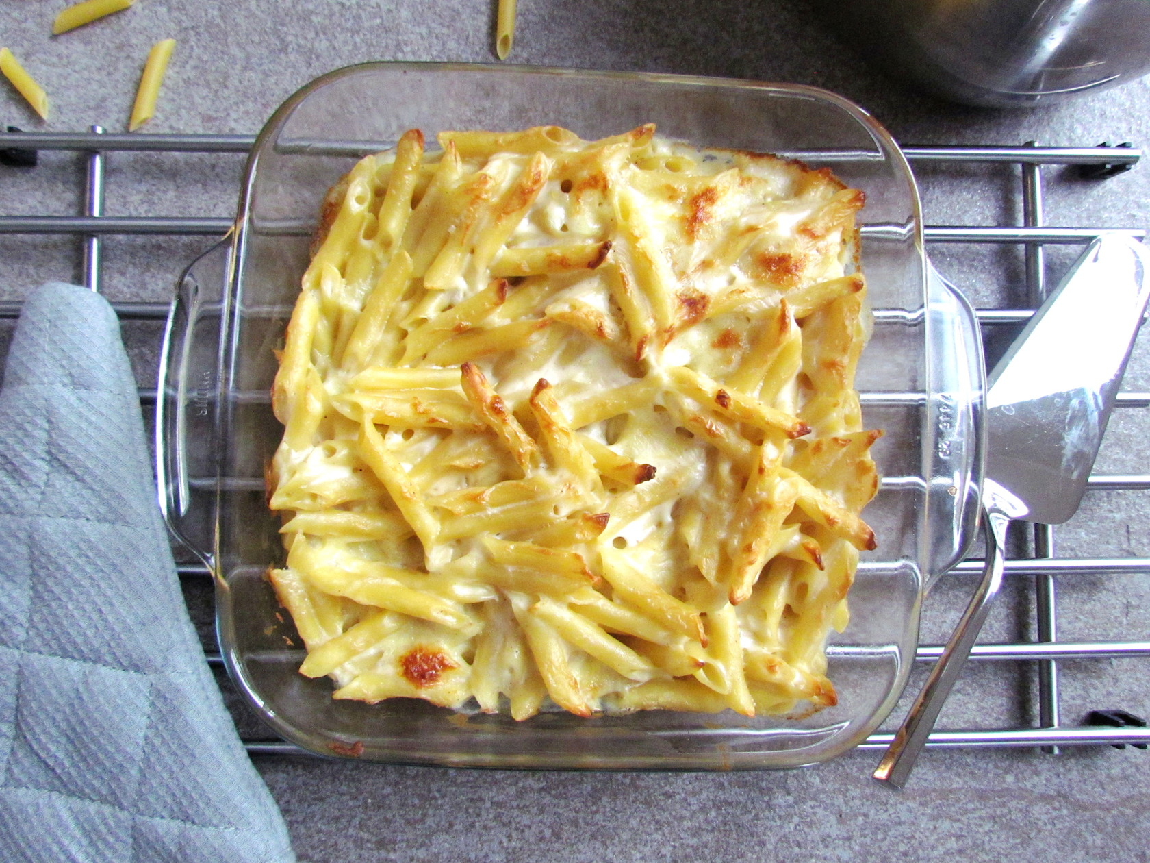 mozzarella pasta bake | www.savormania.com