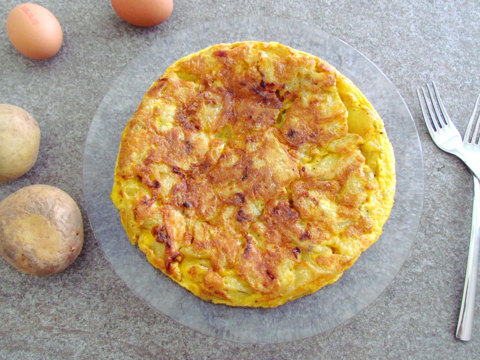 tortilla espagnole aux pommes de terre   www.savormania.com