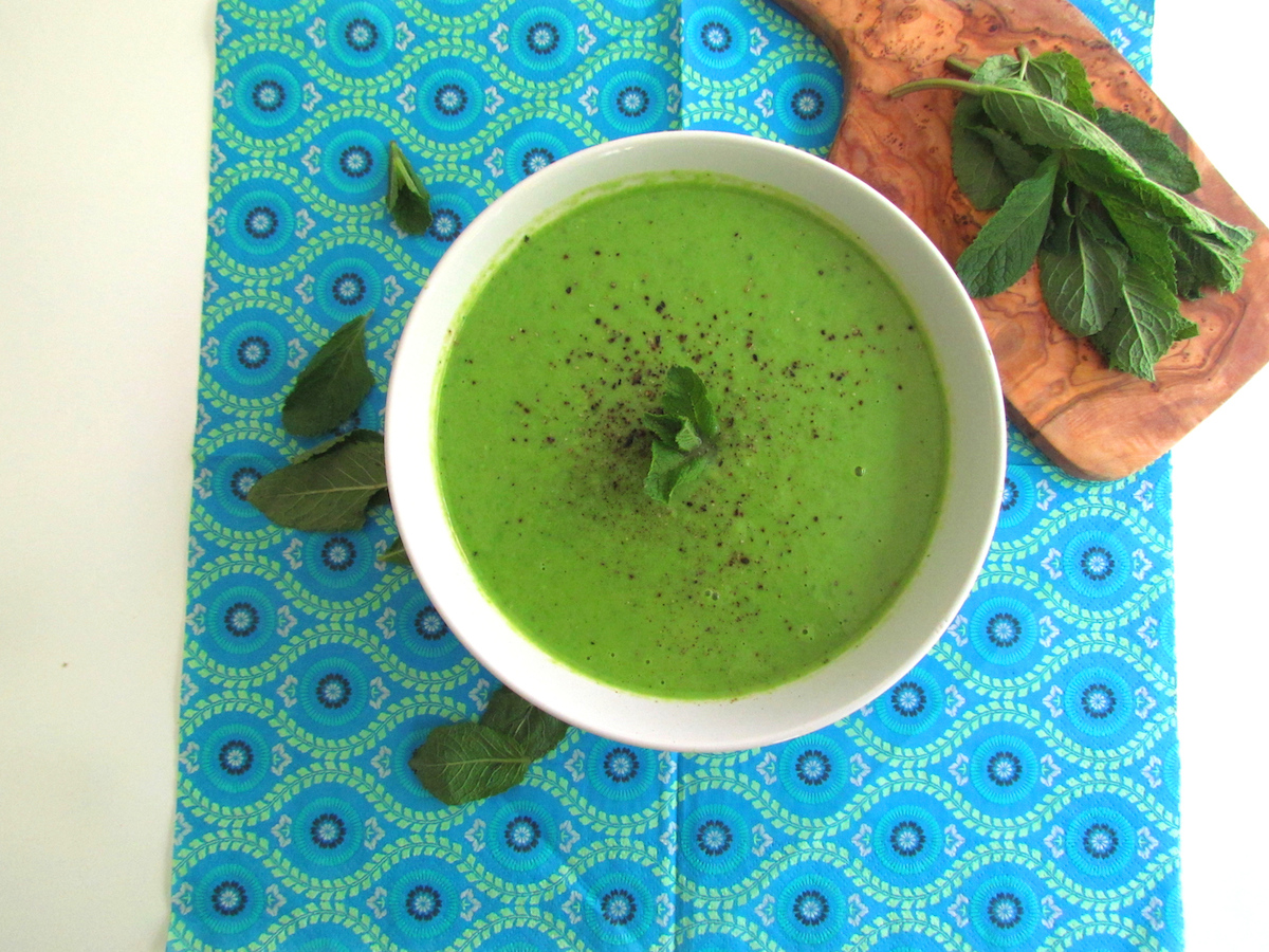 mint pea soup | Savormania