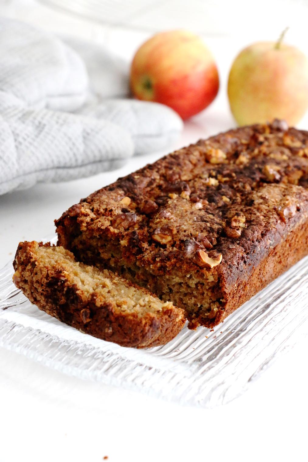 healthier apple cinnamon bread | www.savormania.com